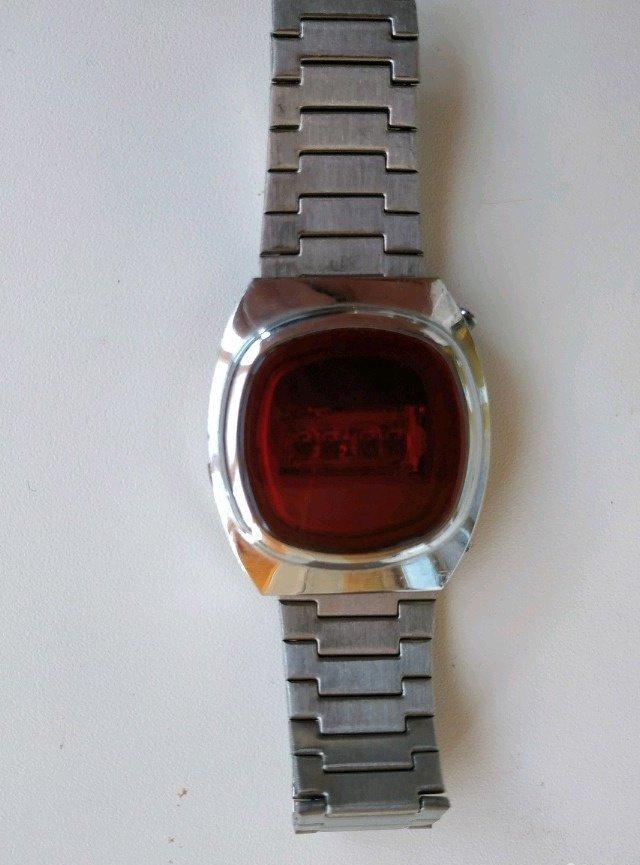 Часы уфа продам женские позолоченные часы чайка продать