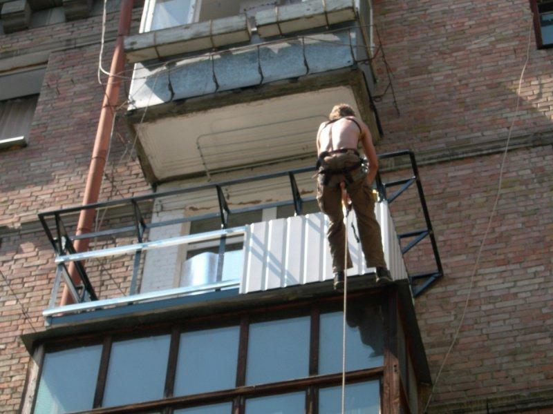 Обшиваем балкон профнастилом. - дизайны балконов - каталог с.