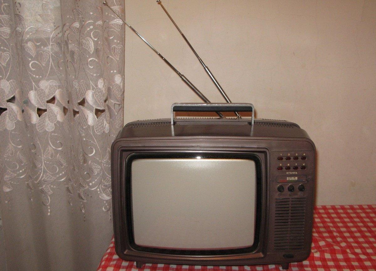 Телевизор шилялис фото